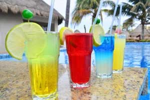 Blue Moon Pool Bar - Mia Reef Isla Mujeres - All Inclusive - Isla Mujeres, Cancun, Mexico